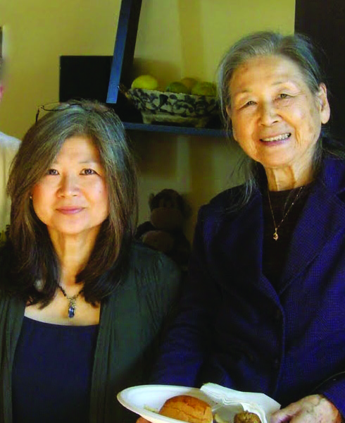 Judy Evans (L) and mother Teiko Urabe. photo courtesy of Judy Evans