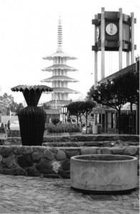 RENOWN SCULPTRESS — Noted sculptor Ruth Asawa (below) created many public works of art, including the Origami Fountains that line San Francisco Japantown's Buchanan Mall (left). file photo