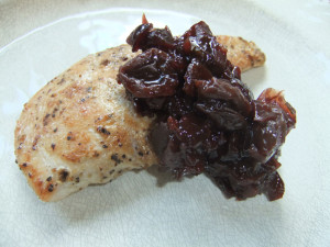 Chicken breast with cherry prune pear compote2